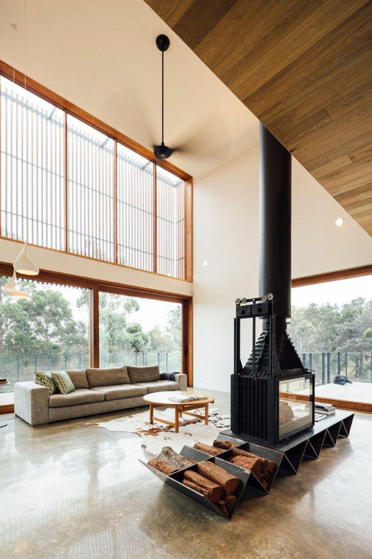 Trockenes Brennholz Praktisch Und Dekorativ In Wohnräumen Lagern