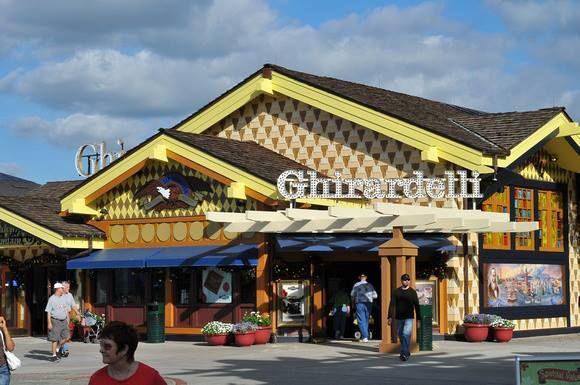 Ghirardelli Ice Cream & Chocolate Shop