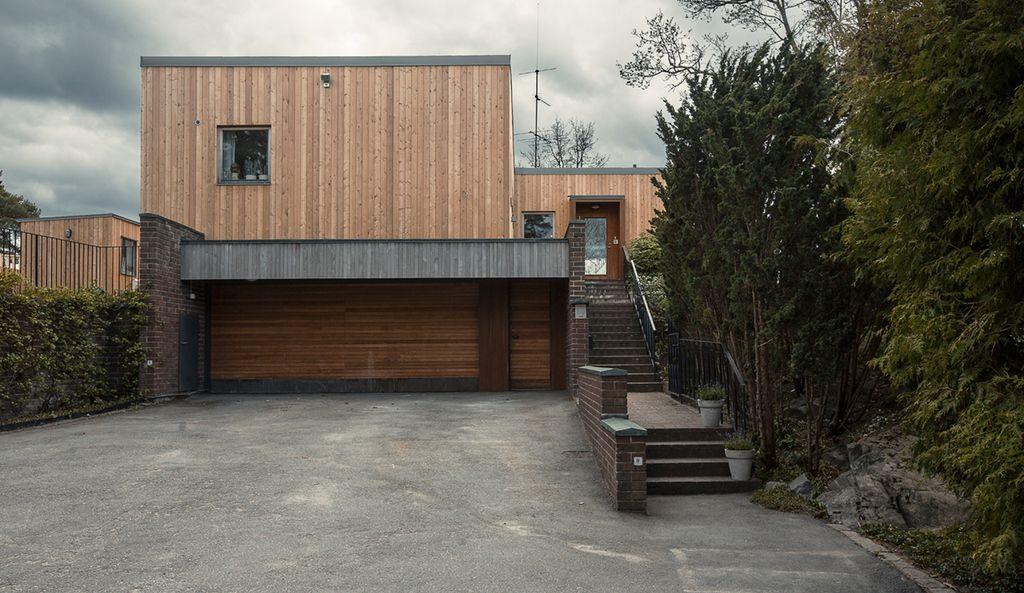 Exklusivt och väldesignat på sjötomt Wrede Moderna hus