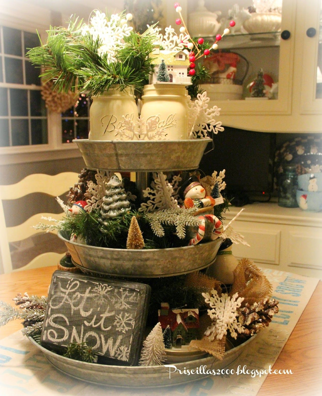 Newtown ct taking down christmas decorations - Find This Pin And More On Tiered Metal Tray