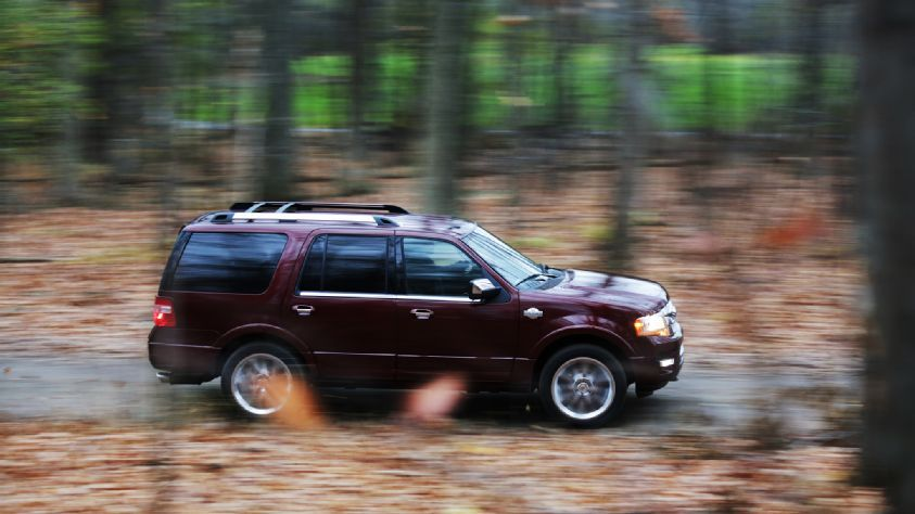 2015 Ford Expedition King Ranch 4 4 Side Profile In Motion 02