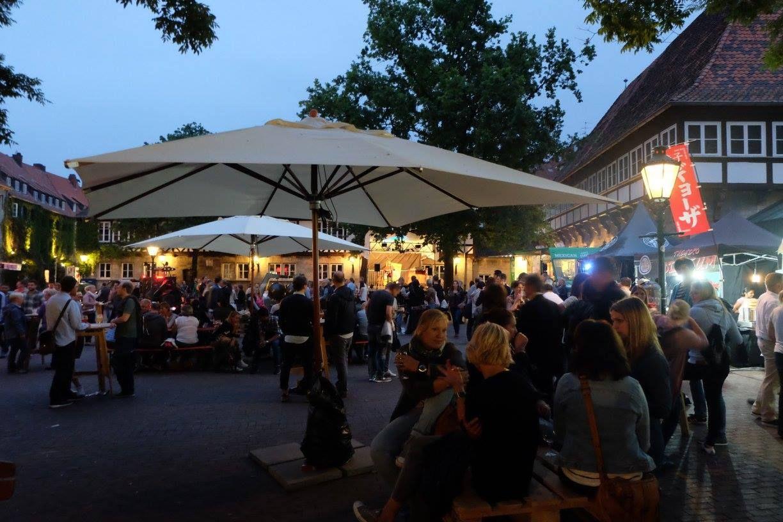 streetfood markt in hannover by und craft bier bar hannover ballhof. Black Bedroom Furniture Sets. Home Design Ideas
