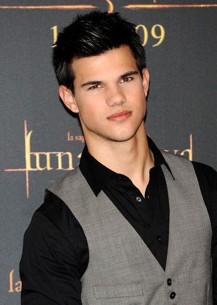 What Happened to Taylo... Taylor Lautner 2018