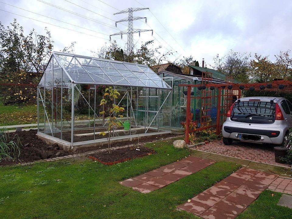 """""""Jupiter"""" garden greenhouse"""