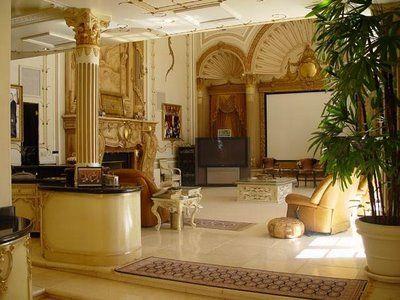 Merveilleux 8 Amazing Photos Showing Inside View Of Shahrukh Khans House Mannat