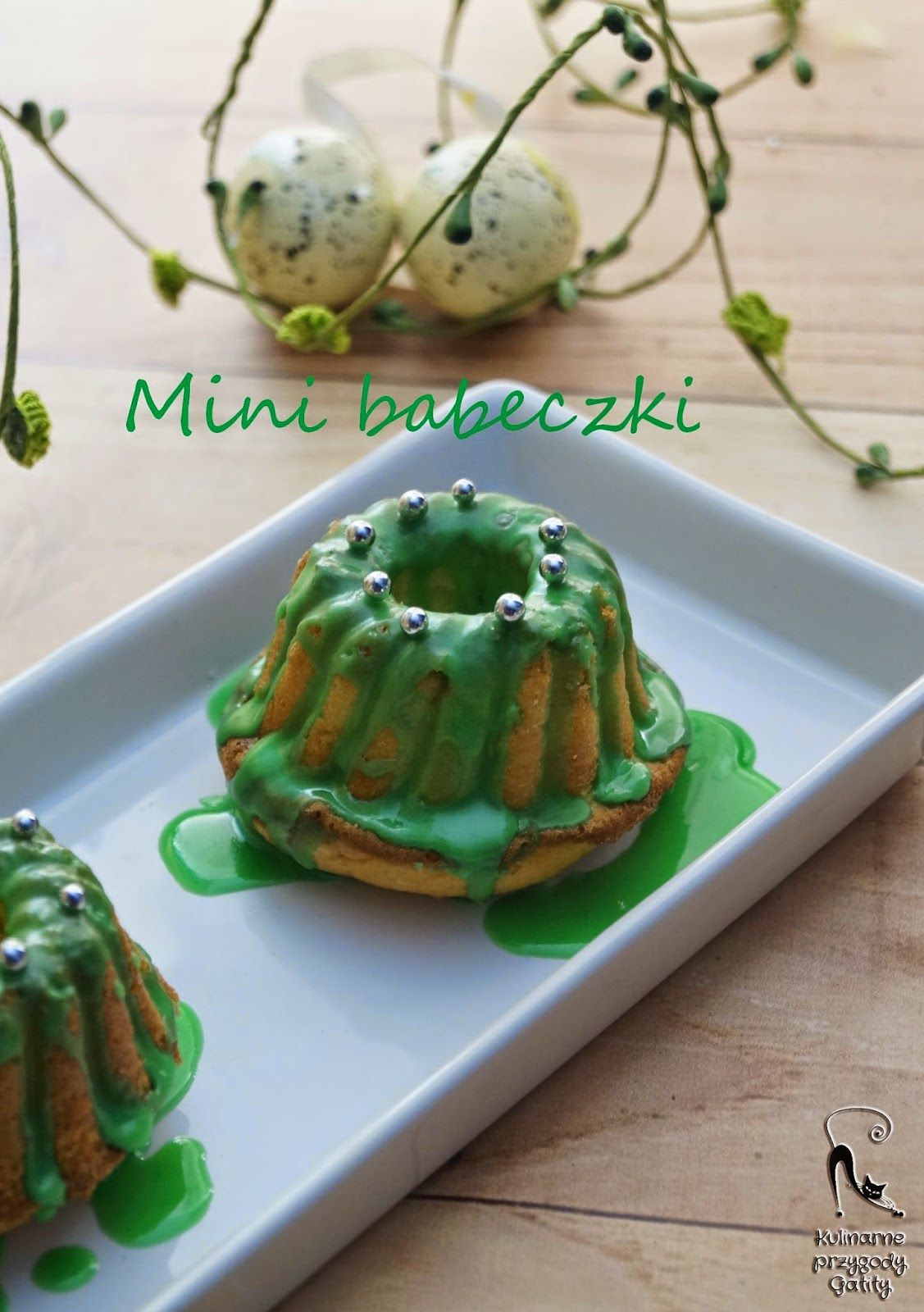 Culinary adventures Gatity: Lemon mini cupcakes Easter