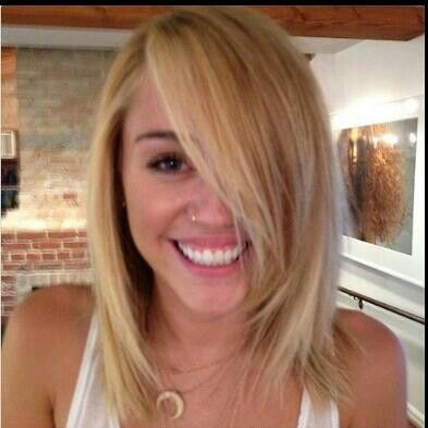 Miley Cyrus Is Blonde Now Miley Cyrus Hair Hair Lengths Hair Images
