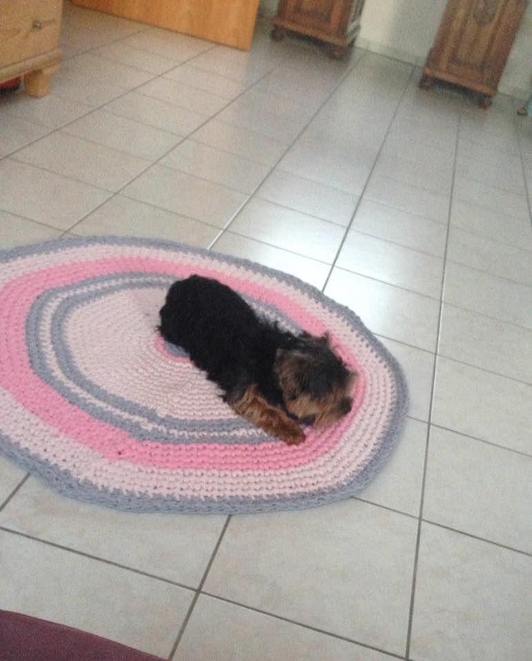 Teppich Fürs Kinderzimmer In Festen Maschen Mit 10er Nadel Gehäkelt