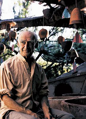 On April 9, 2013, Scottsdale lost one of its most innovative thinkers.  Paolo Soleri – architect, builder, artist and writer – dedicated his life to exa