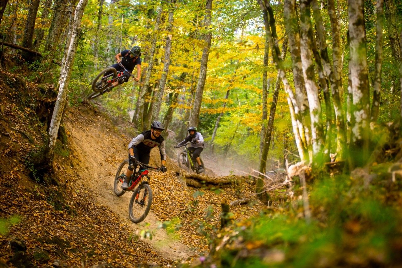 Trail Brothers Tuscany Building Trails Guiding Riders On Epic Singletrack Trails In Italy Singletracks Mountain Bike News Mountain Bike Trails Bike Trails Singletrack