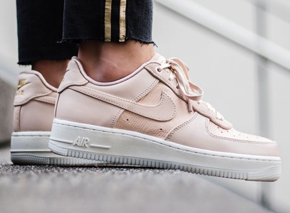quality design d2a98 cac59 Light Pink Lands On The Nike WMNS Air Force 1 07 LX