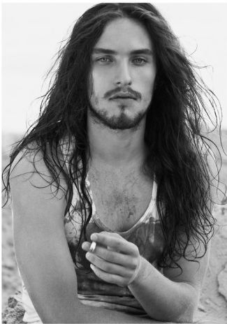 Surfer Hair For Men 21 Cool Surfer Hairstyles 2020 Guide Surfer Hair Beach Blonde Hair Surfer Hairstyles