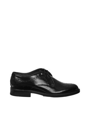 chaussures femme derbies magee h by hudson noir chaussures accessoires  femme   Shoes   Pinterest   Models and Shopping 99140b6a0b24