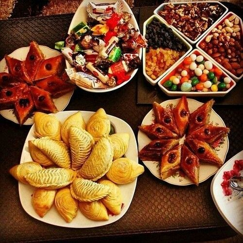 Celebrating Spring With Specila Sweets Novruz Holiday In Azerbaijan Paxlava Baklava Shekerbura And Sweets Real Food Recipes Food Recipes