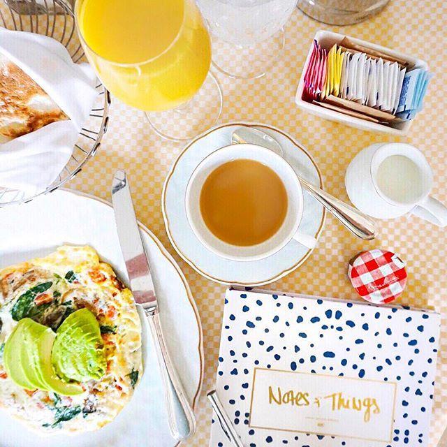 Good morning sunshine!! ☀️ #fourseasonshotel #breakfastinbed #beverlyhills #hollywood #iloveithere #california
