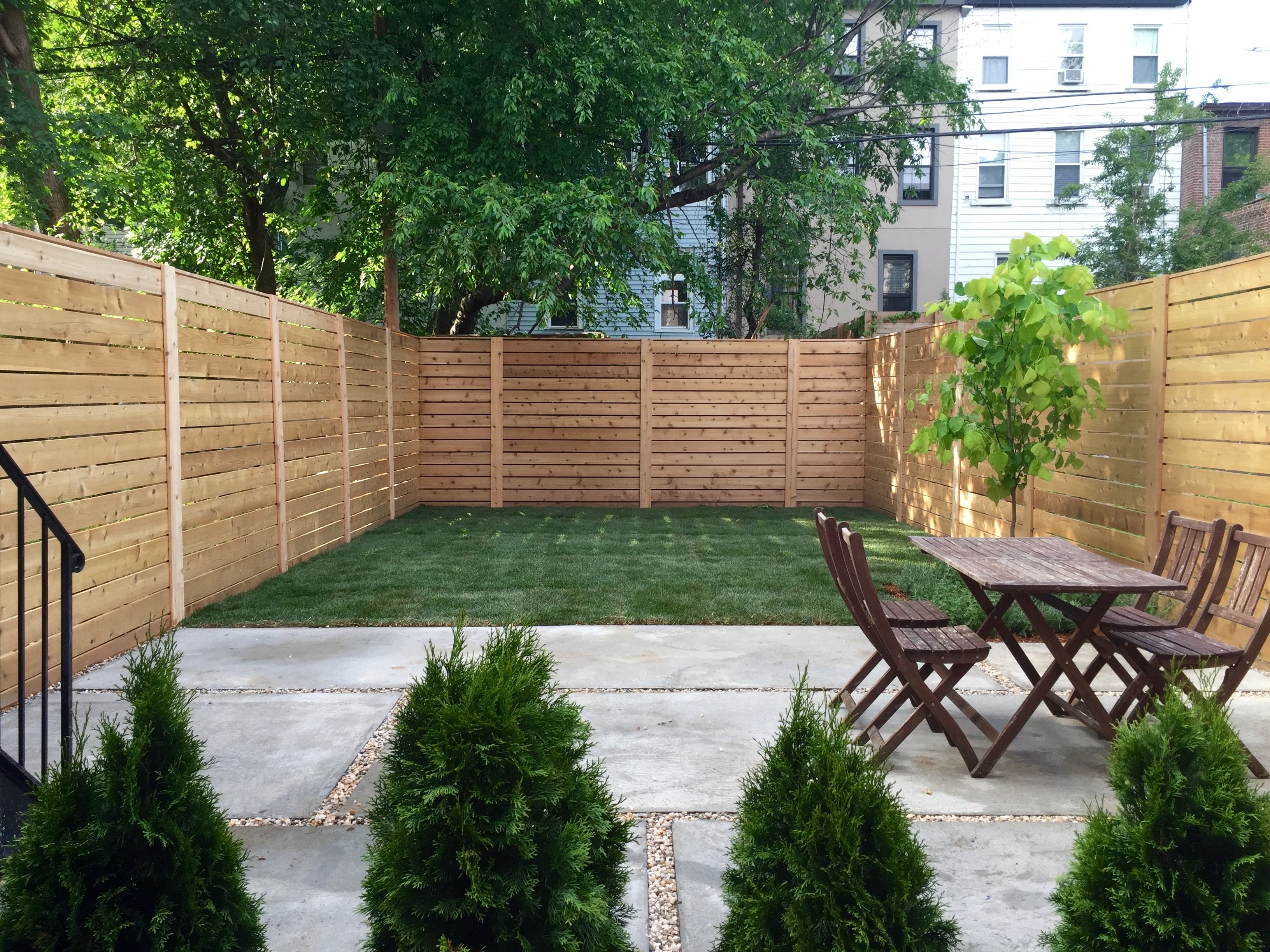 Common Knotty Cedar Fencing Horizontal Fencing With 400 x 300
