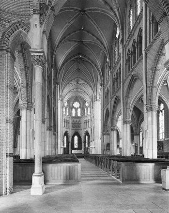 St. Catharinakerk, interieur naar het oosten (1970)