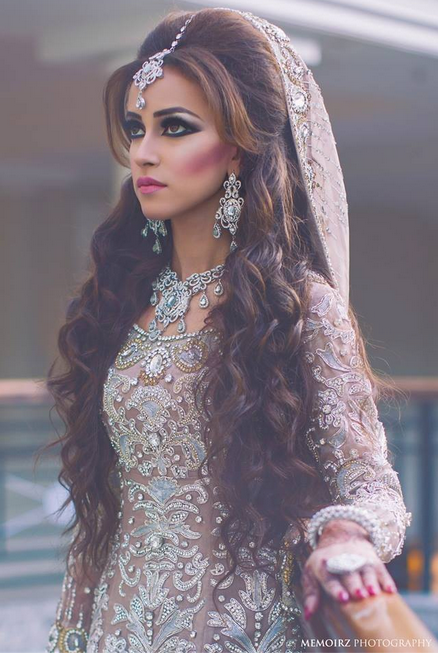16 Glamorous Indian Wedding Hairstyles Long Hair With Curls I Love