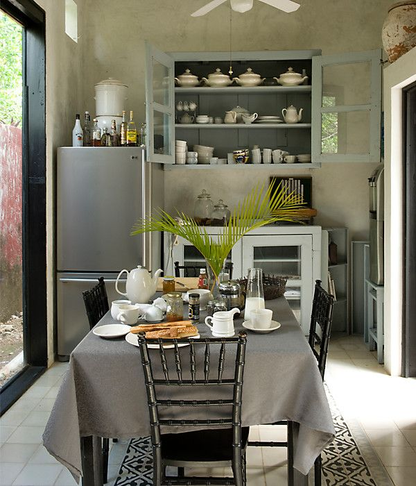 Decorate Small Homes With These Easy Tricks: Small Space Trick: Simple Color Scheme A Serene