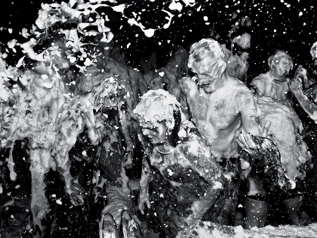 Foam Party Photographs by Alec Soth - Audio & Photos - NYTimes.com