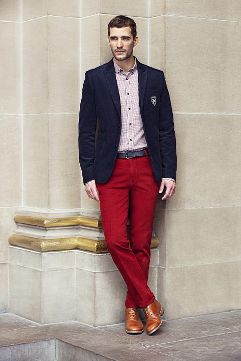 Silhouette Homme   Blazer velours côtelé avec la chemise et pantalon coupe  ajustée en coton. 6f201c57990