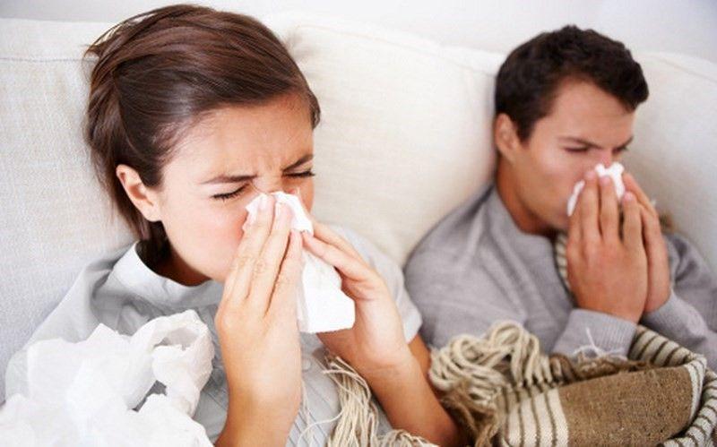 Sử dụng tinh dầu tỏi để phòng cảm lạnh, cảm cúm khi thời tiết giao mùa