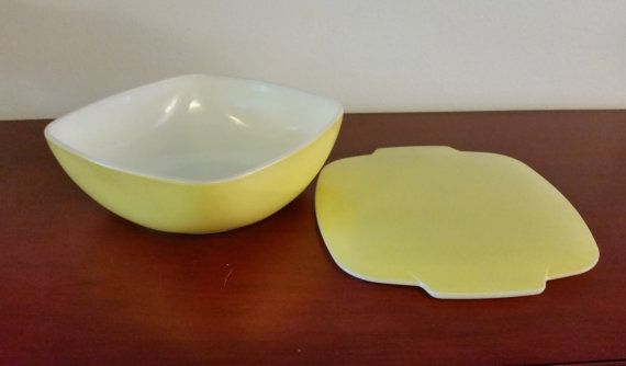 Vintage Pyrex 1.5 quart square yellow Hostess by TheHouseofHelga