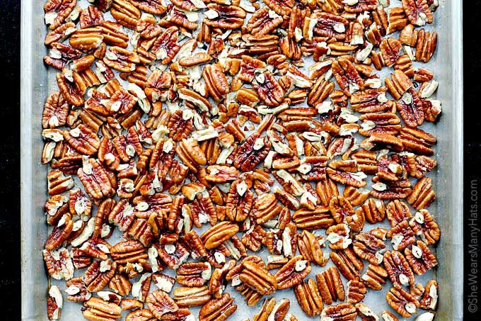Easy Roasted Pecans Recipe | http://shewearsmanyhats.com/easy-roasted-pecans-recipe/