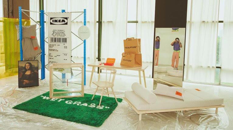 Ikea En Virgil Abloh Lanceren Markerad Collectie Woonaccessoire Woonkamer Ikea Interieur Vitrinekast