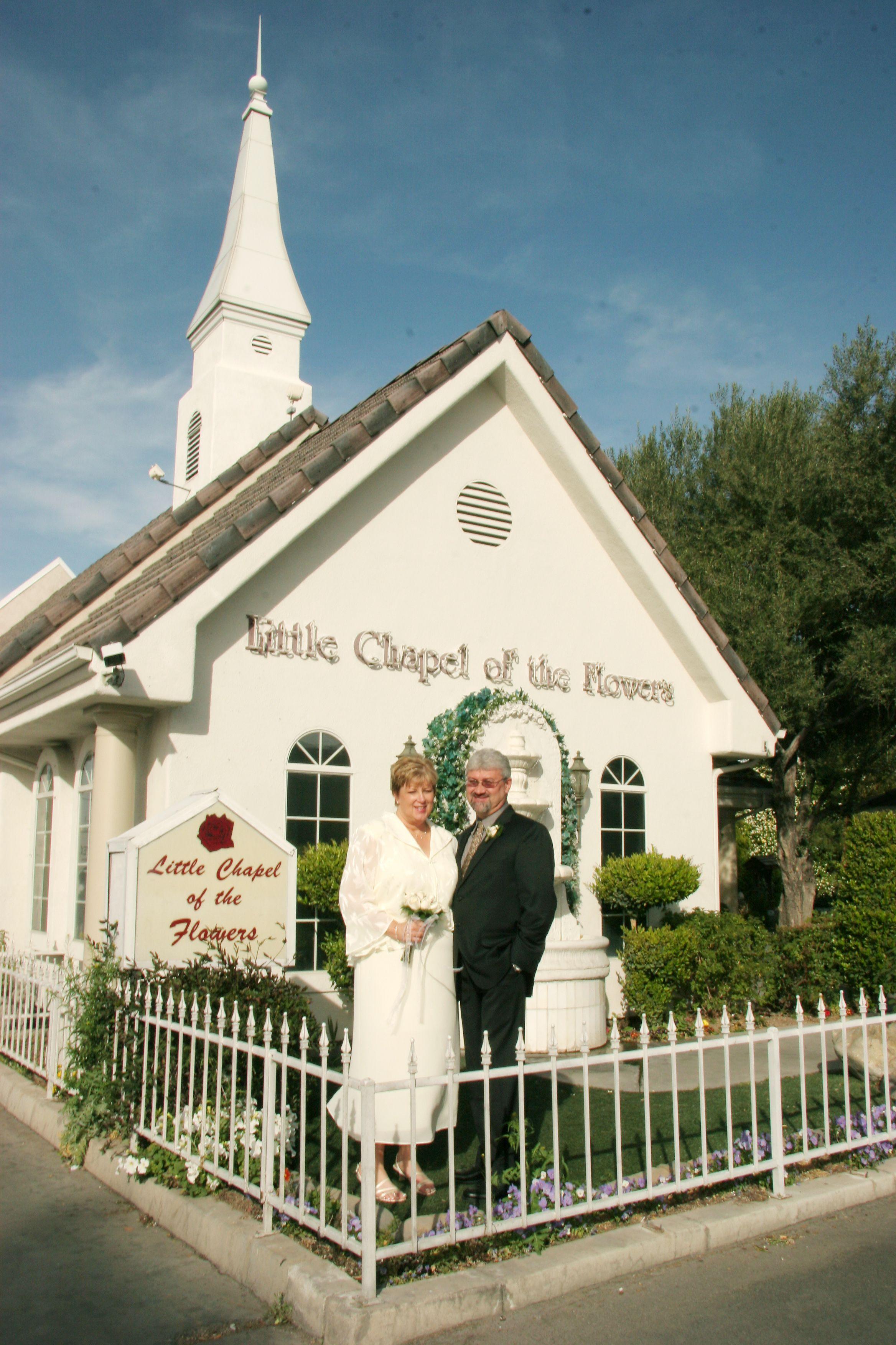 Lil White Wedding At Chapel Of The Flowers In Las Vegas Kelseys