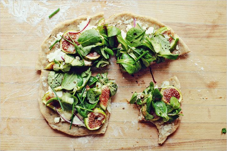 RUSTIC FIG AND GOAT CHEESE PIZZA #cheesepizza