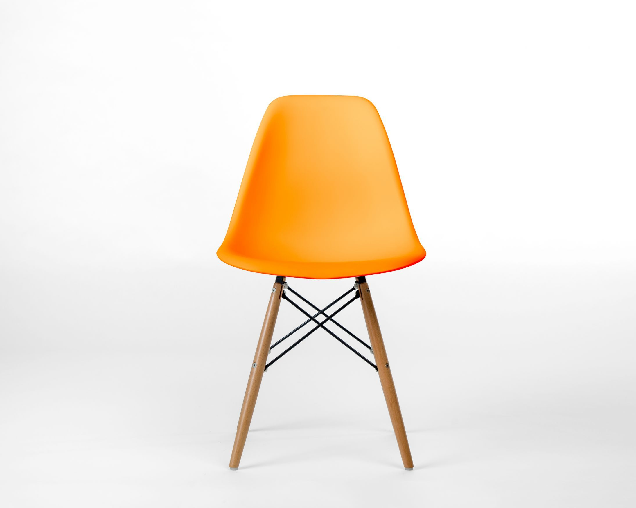 DSW Molded Plastic Side Chair Wooden Dowel Base Se Di