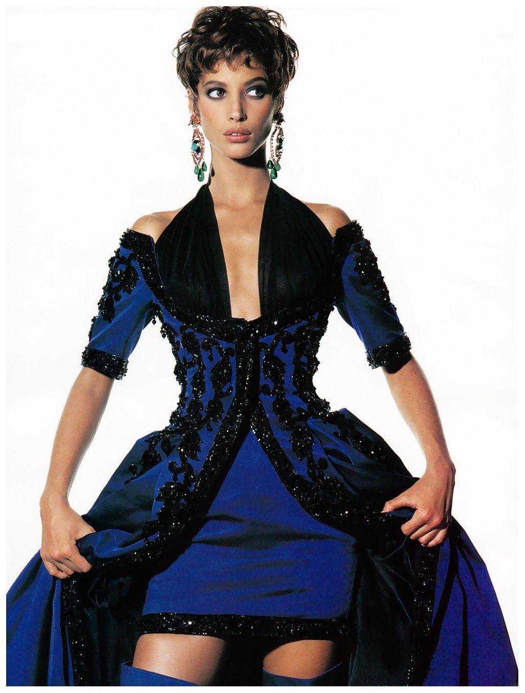Christy Turlington In Chanel VOGUE, 1990