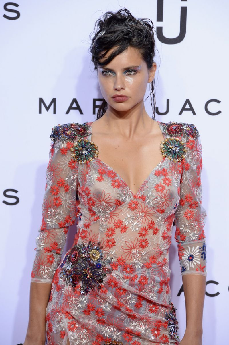 Pics Adriana Lima See nude (59 photos), Topless, Leaked, Feet, cleavage 2015