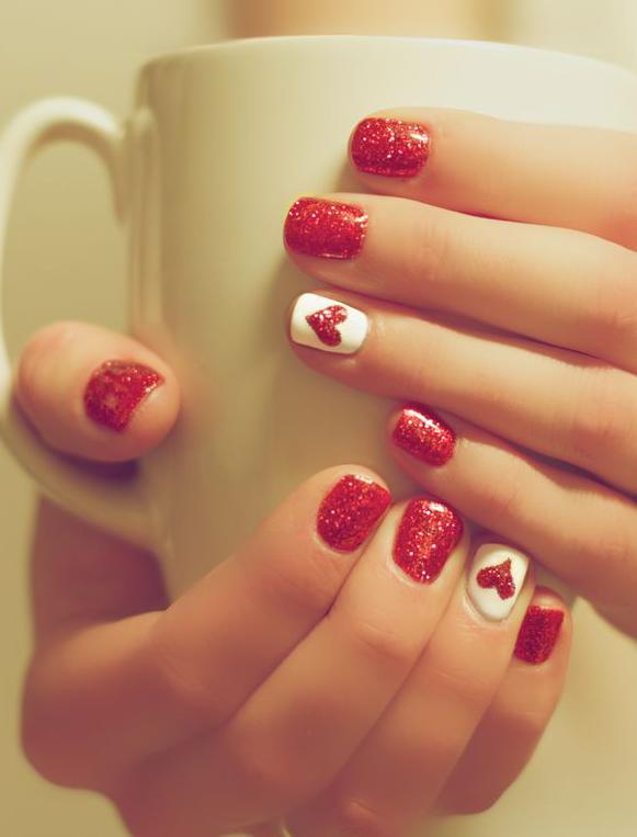 10 Classy Christmas Nail Designs   The Beauty Aisle   hair/makeup ...