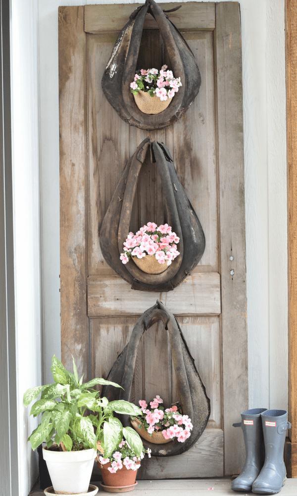 Horse Collar Planter #rusticporchideas