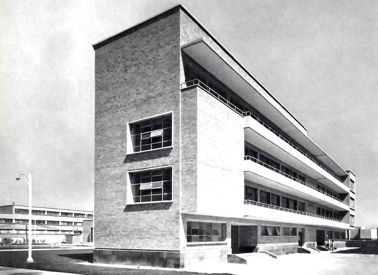Hospital La Raza, Instituto Mexicano del Seguro Social, La Raza, México DF 1952    Arq. EnriqueYáñez