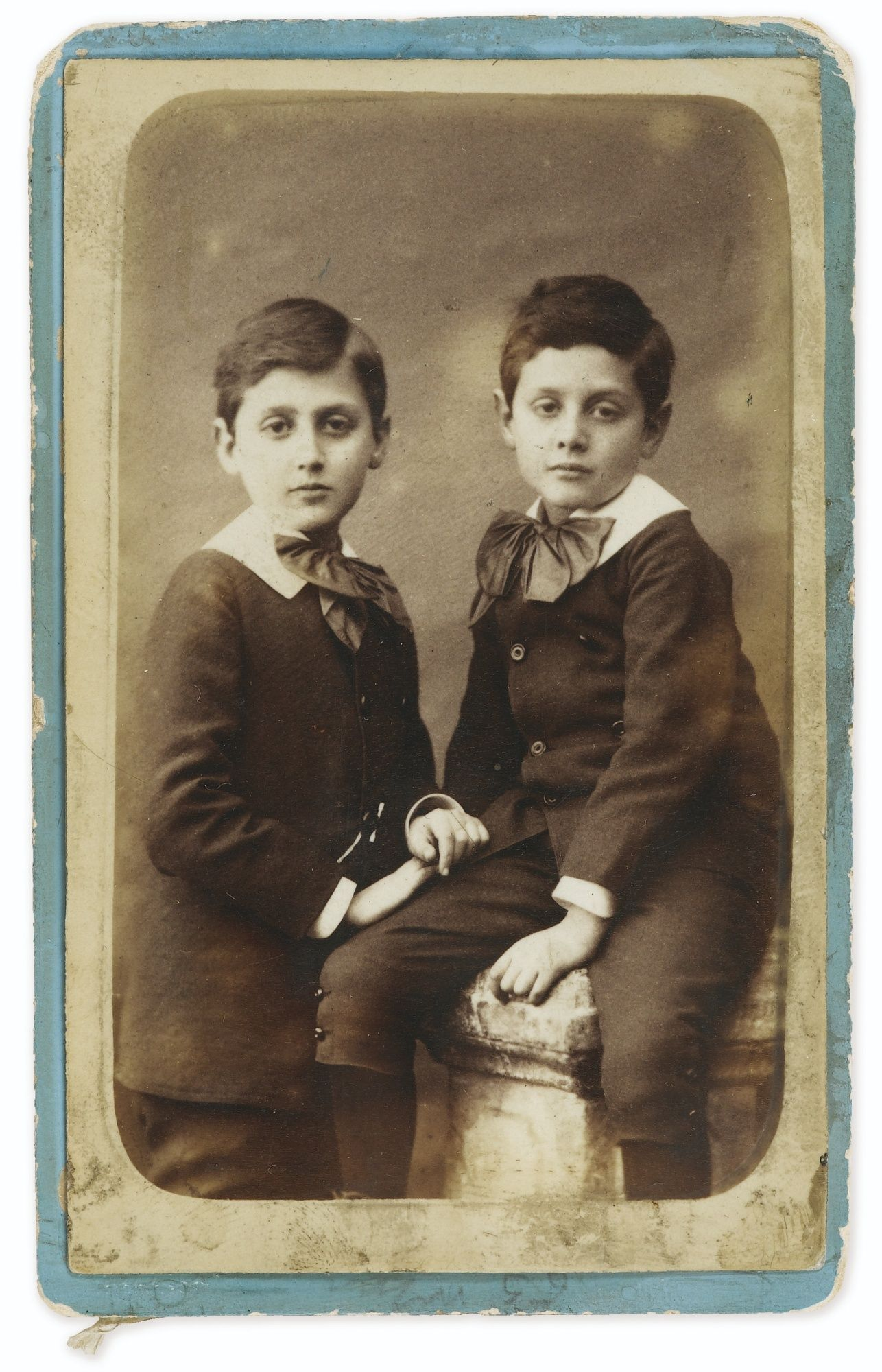Studio Hermann Cie Marcel Et Robert Proust Enfants Vers 1882 Photographie Originale Estimate 2 000 3 000 Eur Lot Art Quiz First Art Art Exhibition