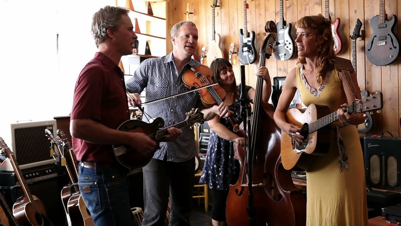 The Bluegrass Situation // An Afternoon with Foghorn Stringband