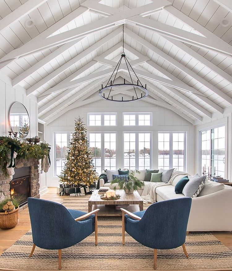 Pretty Holiday Scene Also Head To The Blog For Our Holiday Sales Picks Amazing Lilypadcottage Christmas Living Rooms Simple Living Room Decor Christmas Decorations For The Home