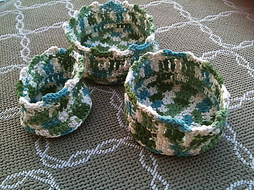Pretty and FREE from Ravelry.