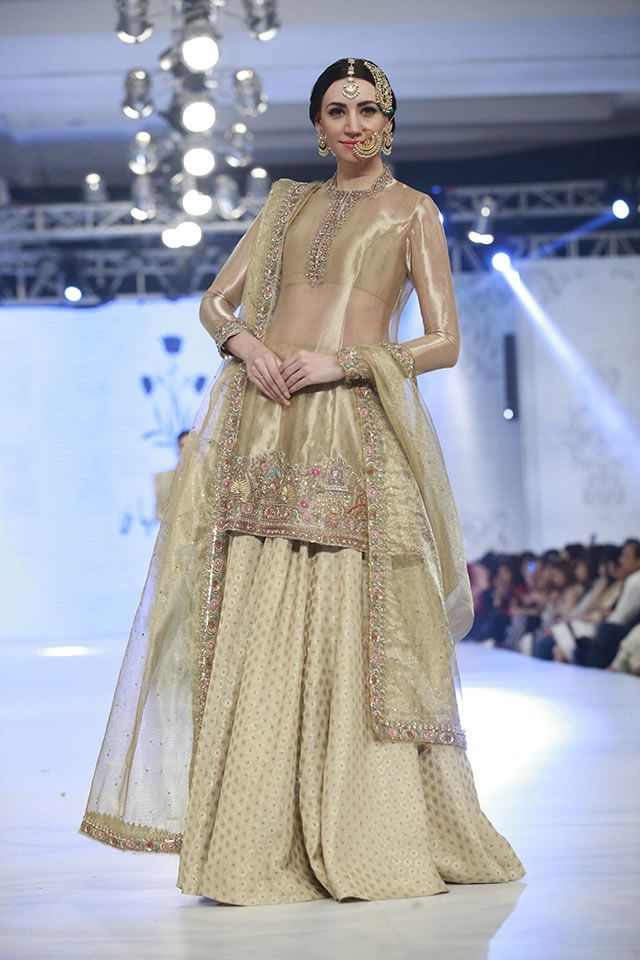 6659e91f Day 3, Zara Shahjahan presented Mehr-un-Nisa collection at PFDC Loreal  Paris Bridal Week 2016, on September 30.