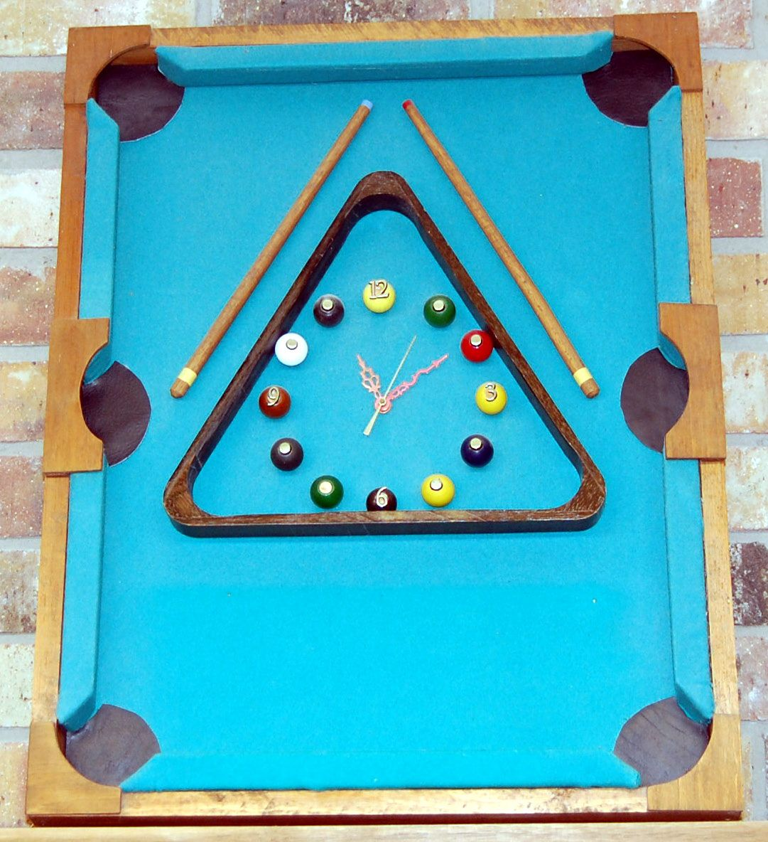 Pool Table Clock Cadres