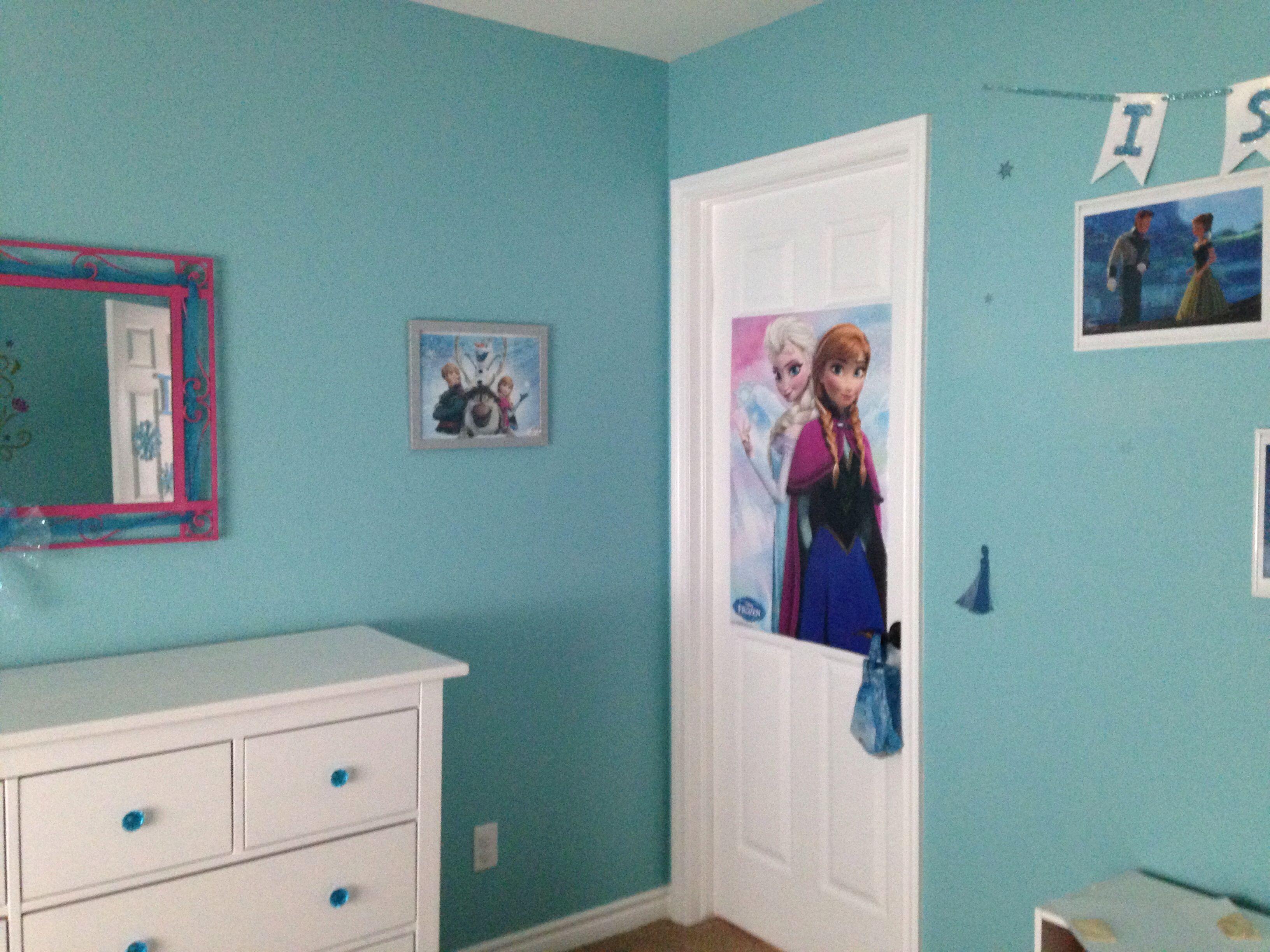 Frozen inspired bedroom - Disney S Frozen Inspired Bedroom Poster From Michael S Prints From Disney Store In Silver Glitter