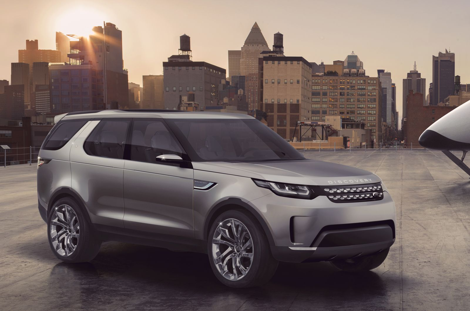 New Land Rover Discovery shown at Beijing motor show