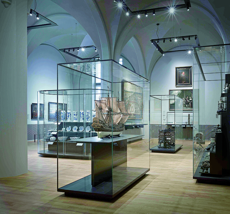 Gallery Of Display Case A Class 4 Interior Design Gallery Museum Exhibition Design Museum Displays