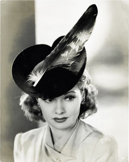 Straight Out Of The 50s Glamour Daze Glamour hat fashion photos from 40s