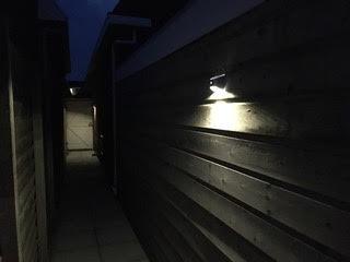 Solarlamp Flint Tegen Schutting Solar Tuinverlichting Wandlamp Zonne Energie