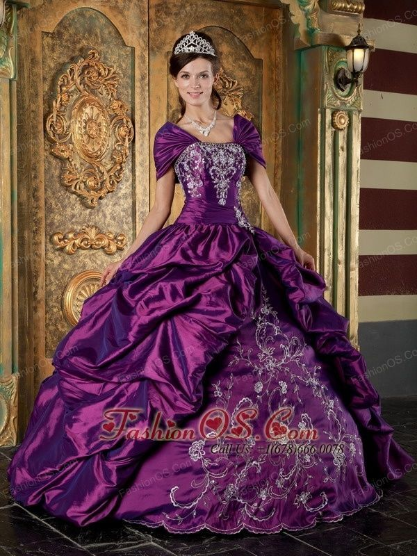 old fashioned ball gowns - Google Search | Formal Gowns | Pinterest ...