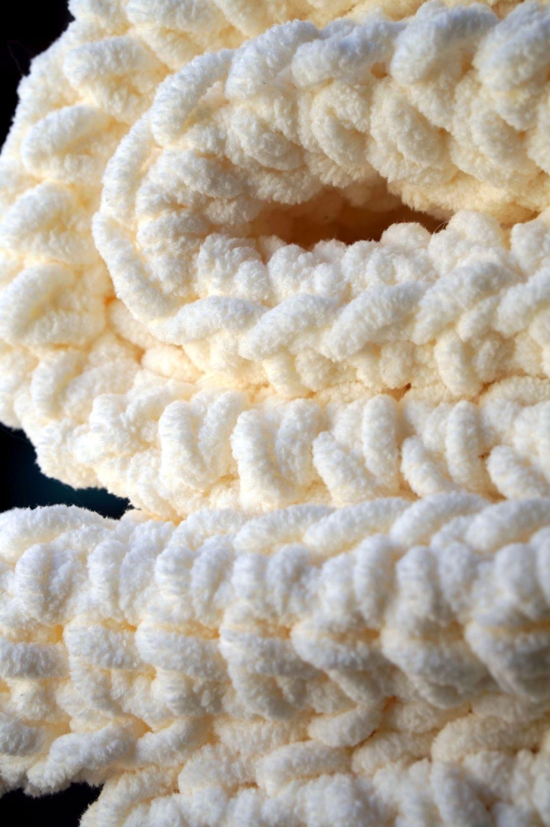 Cream Bernat Blanket | Manta, Tejido y Colchas